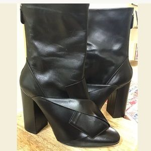 No. 21 Shoes - No. 21 Leather Bow Boots in Nero Size 39.5